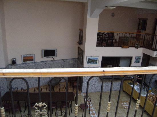 Casablanca Youth Hostel: Sala de estar/desayuno