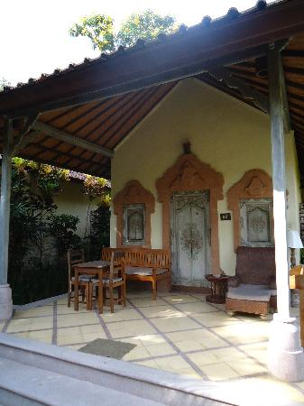 Sari Sanur Resort : vue bungalow