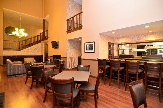 BEST WESTERN PLUS The Inn & Suites At the Falls: Breakfast Room