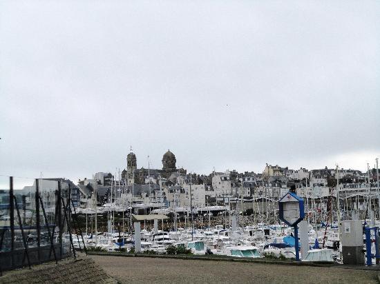 Ibis Granville Le Herel : Vista a partir do apartamento do hotel