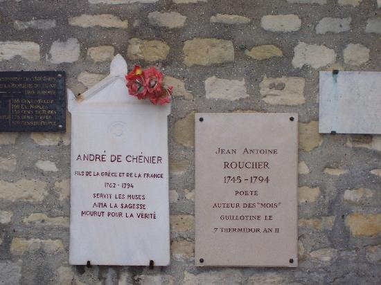 Pictus Cemetery (Cimetiere de Picpus): Plaque commémorative du poète Chénier