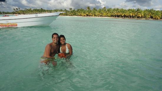 Piscina natural fotograf a de excursion a la isla saona for La isla rascafria piscina natural