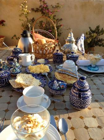 Dar El Hana: Breakfast - what a spread!