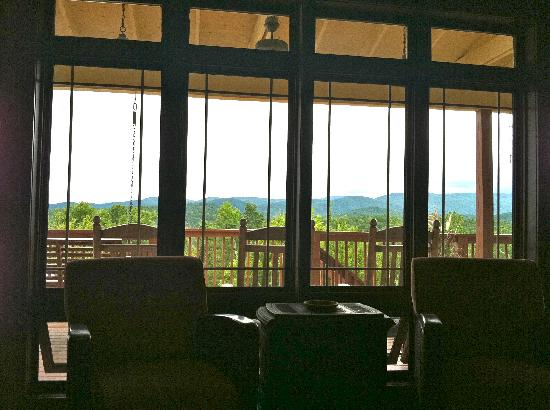 Lucille's Mountain Top Inn & Spa: View from the Parlor