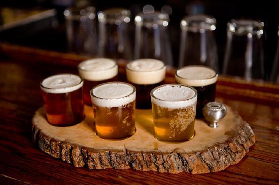 Lake Placid Pub & Brewery: A sampler at the LPP&B.