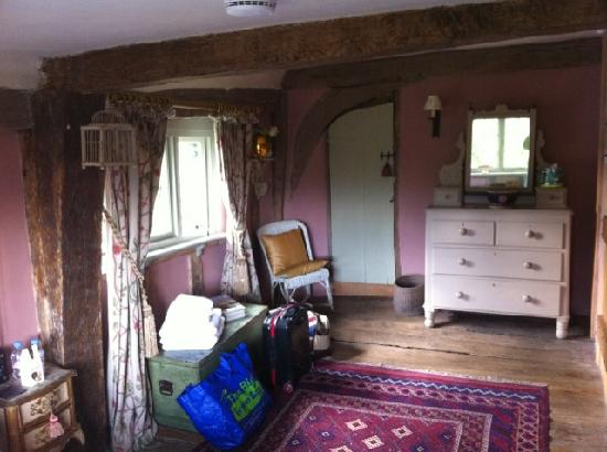 Camomile Cottage: The Elm Room.