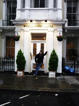 Wedgewood Hotel: entree
