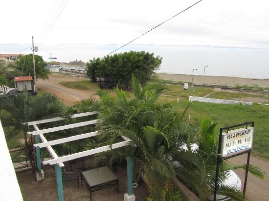Posada del Mar: View up the beach