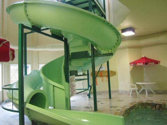 Super 8 St Johns: Water Slide