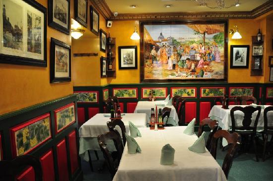 El Madrono : Dining area