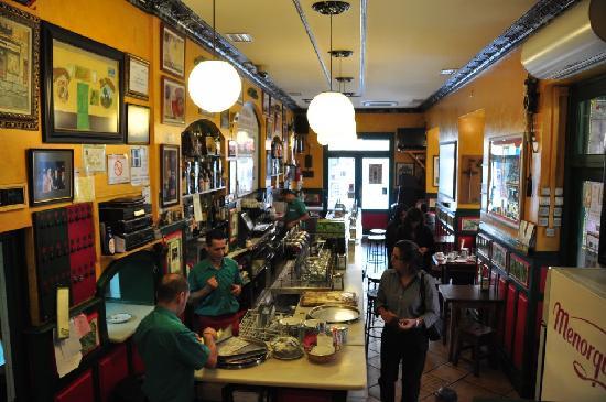 El Madrono : Bar area