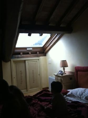 camera da letto - Picture of Relais sul Lago, Varese - TripAdvisor