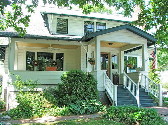 Oakland Cottage B&B: Great rates, great location