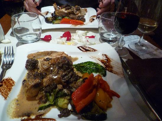 Espace Petit Pont: Our main meal, Guinea Fowl