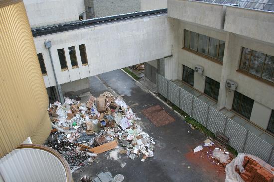 President Hotel: Blick vom Balkon im Hof