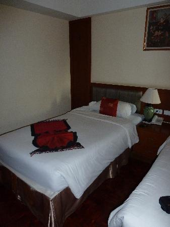 Chakungrao Riverview Hotel: Twin room beds