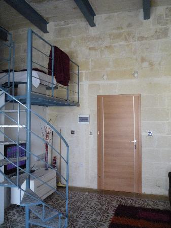 Castille Suites : Vue sur l'entrée