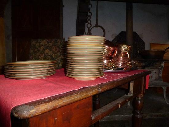 Maison Rosset: Piatti e vaschette tipiche.