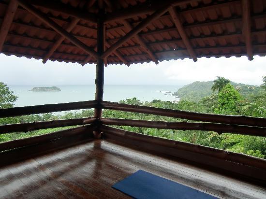 Holis Wellness Center & Spa: Yoga venue at Costa Verde