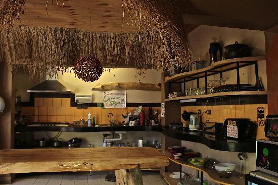 Princesa Insolente Hostel: Cocina