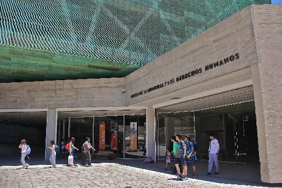 Entrada del Museo (37518636)