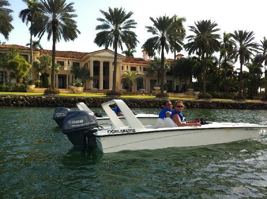 SpeedBoat Tours: Speed boat tour