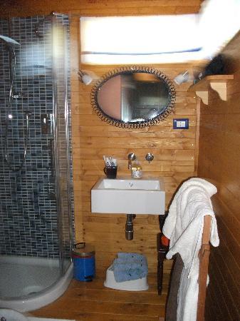Farmhouse Olmo B & B: il bagno