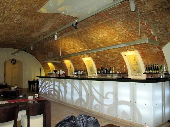 Baroko Vinarna & Restaurant : veduta banco bar