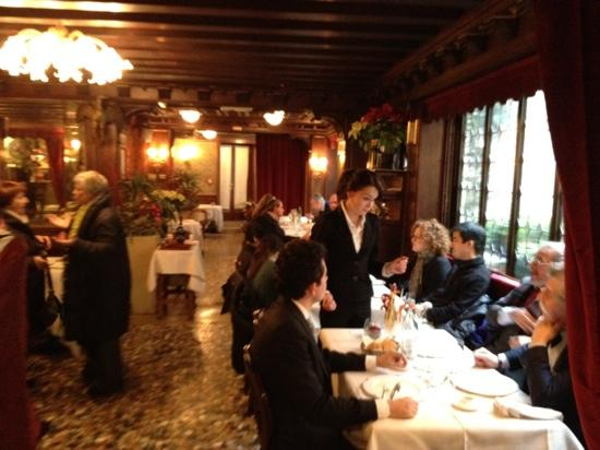 Taverna La Fenice : one of the dining rooms