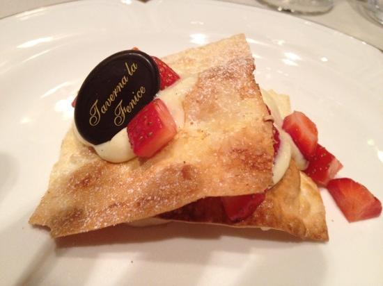 Taverna La Fenice : light but delicious dessert pastry