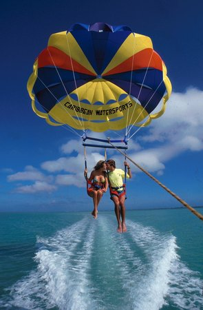 Key Largo, FL: 'Fly like an Eagle' with our Parasailing Flights
