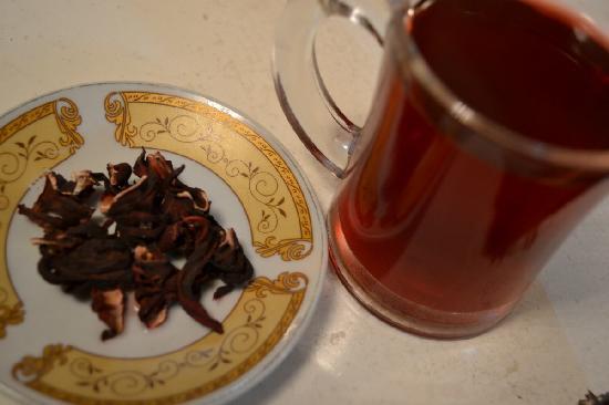 Cairo Moon Hotel: Karkade (hibiscus tea), complimentary