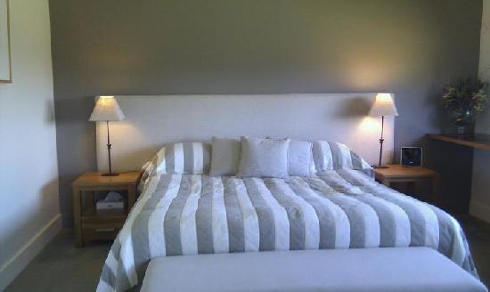 Luxury honeymoon suite - bedroom