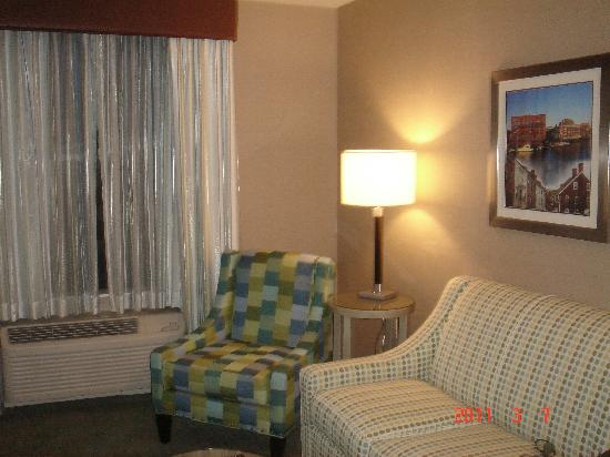 Residence Inn Portsmouth Downtown/Waterfront: Livingroom