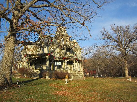Garth Woodside Mansion Estate: Lovely winter at the Mansion!