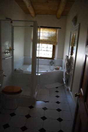 Basse Provence: Bathroom in Gideon
