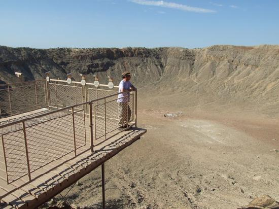 Barringer Crater - Picture of Meteor Crater, Flagstaff ...