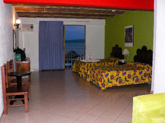 Decameron Los Cocos: Superior Room in Bldg. 4, 4th floor
