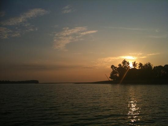 Islanda Hideaway Resort: sunset mangrove cruise
