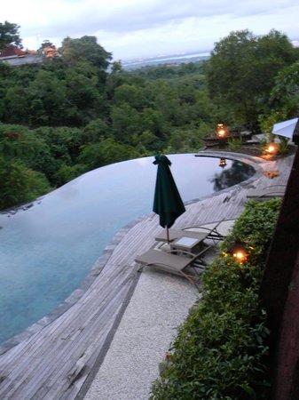 Langon Bali Resort & Spa: Piscina dal terrazzo della camera