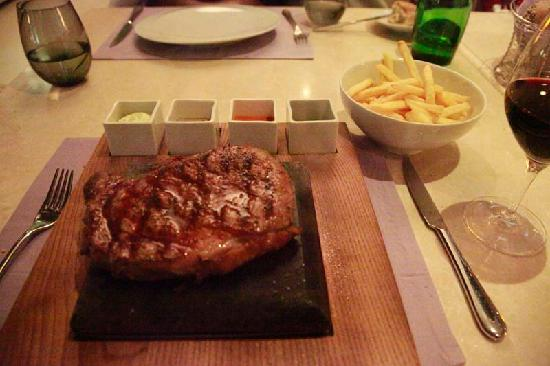 Opera Hotel: Rib Eye Steak in Teatro  Restaurant