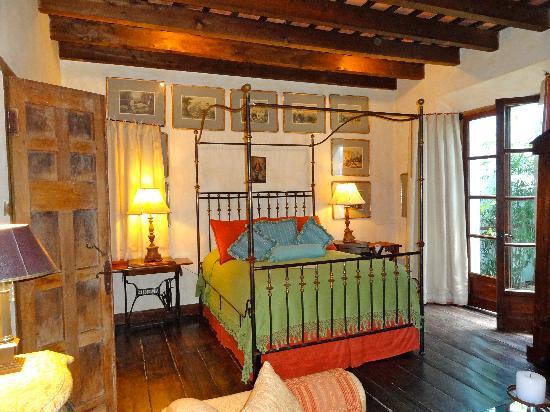 Posada Del Angel: Mary Sue Suite Bed