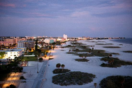 Treasure Island, Floride : The real treasure of this friendly community is its three-mile-long beach, lined with the hotels