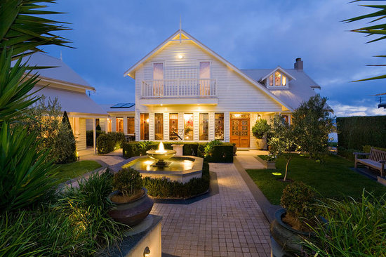 Apollo Bay Guest House: Property Entrance