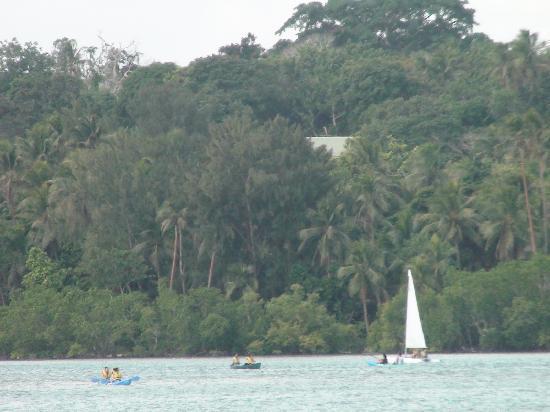 Pacific Lagoon Apartments: Looking across the lagoon