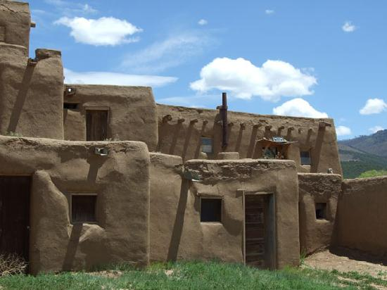 Taos Pueblo: Pueblo homes