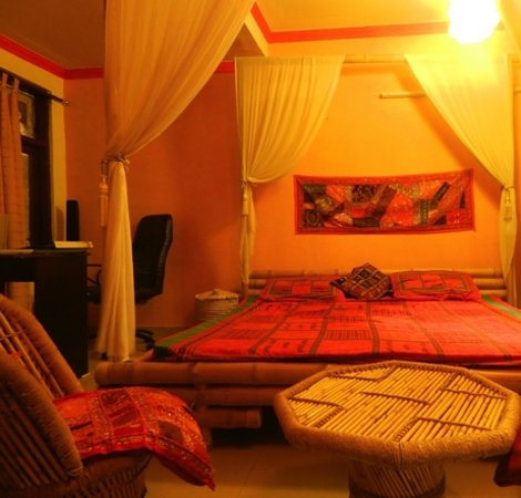 Holy Cow Hostel: double bed room deluxe