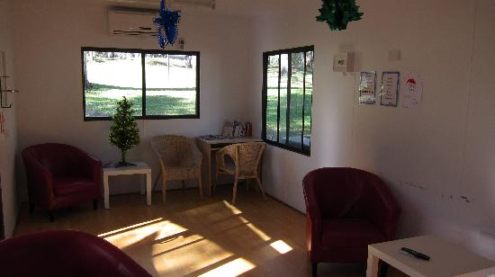 Belair National Park Caravan Park: Inside TV/lounge room