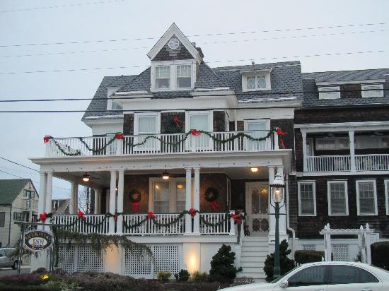 Victorian Lace Inn: ...somewhere between quaint and majestic...
