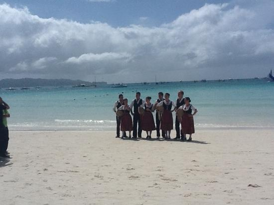 Beachcomber Resort Boracay: surreal moment as the folk festival brings Finnish folkies to the beach in midday Boracay.